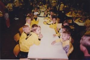 MPS / Atletico nautti mehua ja munkkeja seuran vuoden 1995 päättäjäisissä