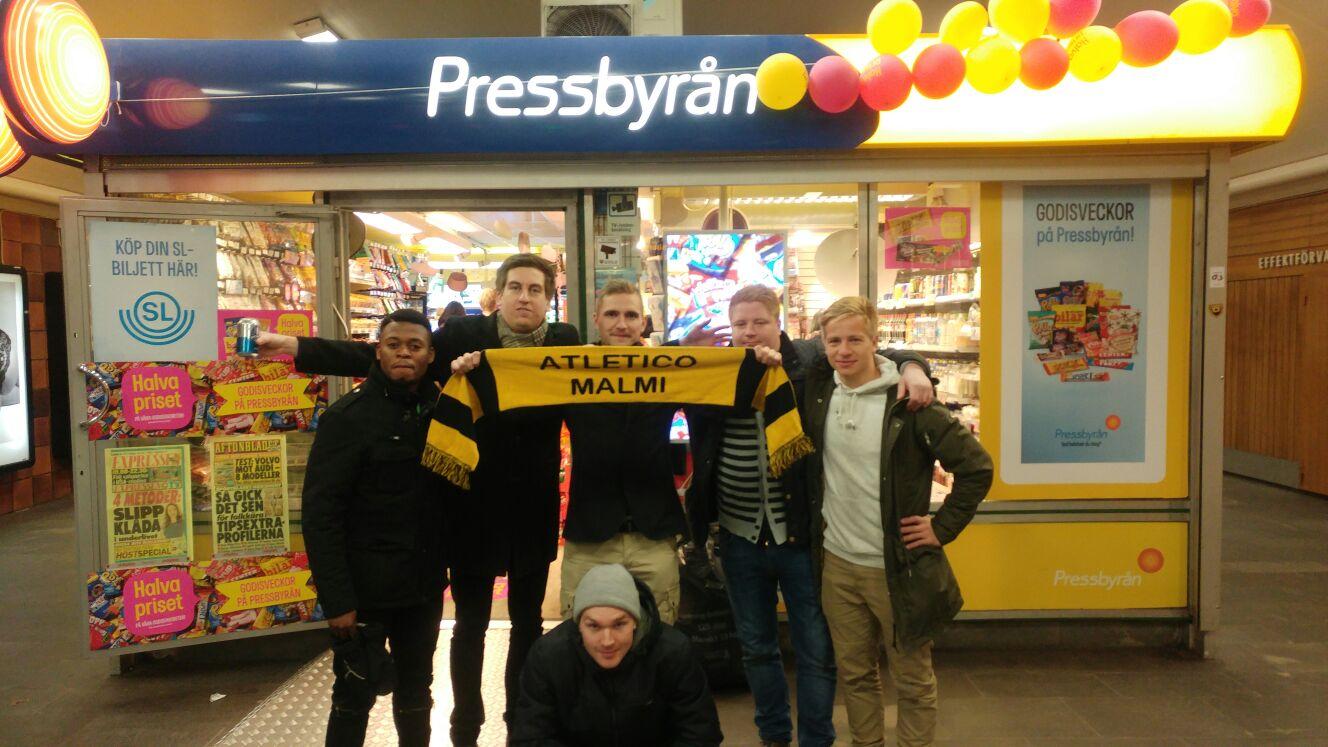 Atleetit valloittamassa Tukholmaa. Kuvassa Alfredo Miguel (vas. takaa), Janne Vottonen, Antti Säynätkari, Olli Harmainen, Mika Tenkanen sekä Ville Ruuska (edessä).